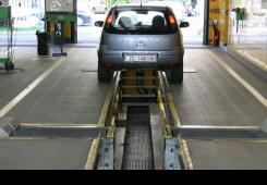 Za novac izdavali potvrde da su tehnički neispravna vozila ispravna