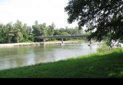 Traje potraga za dvije osobe koje su jučer pale u Dravu