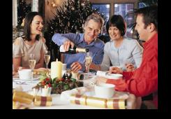 Kako preživjeti blagdane kod partnerove obitelji?