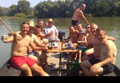 FOTO: Labudi lijepim druženjem na Dravi proslavili