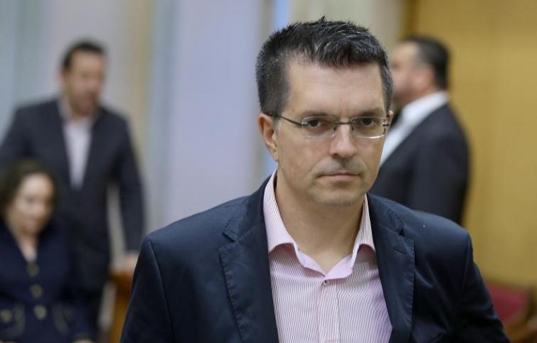 PLENKOVIĆ BAHATO UPITAO BUNJCA 'TKO JE ON I OTKUD JE ISPAO': Dobio je dosta žestok odgovor od zastupnika Živog zida