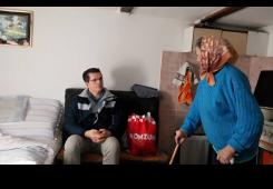 Bunjac posjetio baku koja bila u zatvoru zbog ovrhe za manje od 100 kn