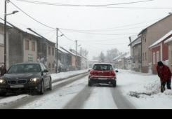 Snijeg donio probleme: Na autocesti Goričan-Zagreb prekinut promet