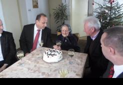 FOTO: Uz tortu i čašu vina Marija Topolnjak proslavila 106. rođendan