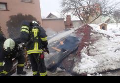 FOTO: Vatrogasci intervenirali zbog požara u Novom Selu Rok