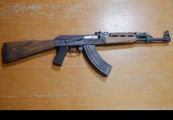Policija pretražila kuću 26-godišnjaka i našla Kalašnjikov