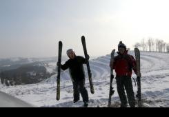 VIDEO I FOTO: Zlaja i Loki skijali s Mađerkinog brega!