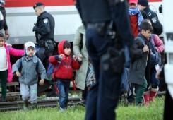 Austrija će postrožiti uvjete koje migrante prima