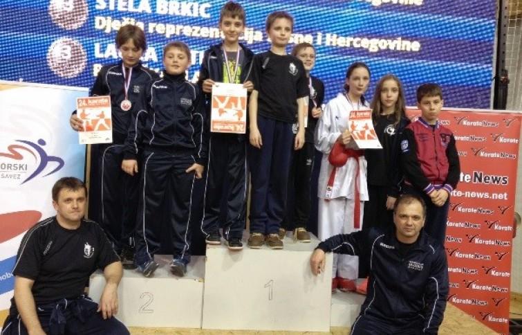 Među 1706 natjecatelja, karatisti su Karate kluba Globus Čakovec osvojili  čak 4 medalje! bb218de8bb