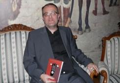 FOTO: Ukoričene kolumne izliječenog TV ovisnika - Miroslava Gakića