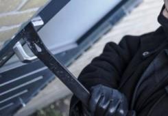 Motorne kosilice, ribolovna oprema i pumpa ukradeni iz vikendice