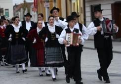 U subotu 23. Susret  hrvatskih folklornih ansambala i izvornih skupina