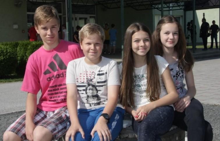 Uspješni učenici Tin Hrgović, Eli Hrgović, Melani Miljančić i Ema Rošanić