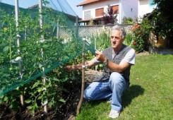 Čakovčanin Zlatko Lončarić svoj vrt od tuče zaštitio mrežom!